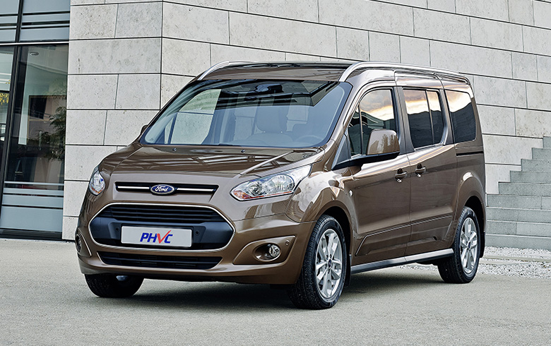 Photograph of Ford Grand Tourneo Connect Diesel Estate 1.5 TDCi 120 Zetec 5dr