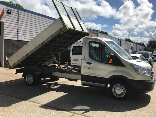 Photograph of Ford Transit 350 Tipper – Ref TUW01