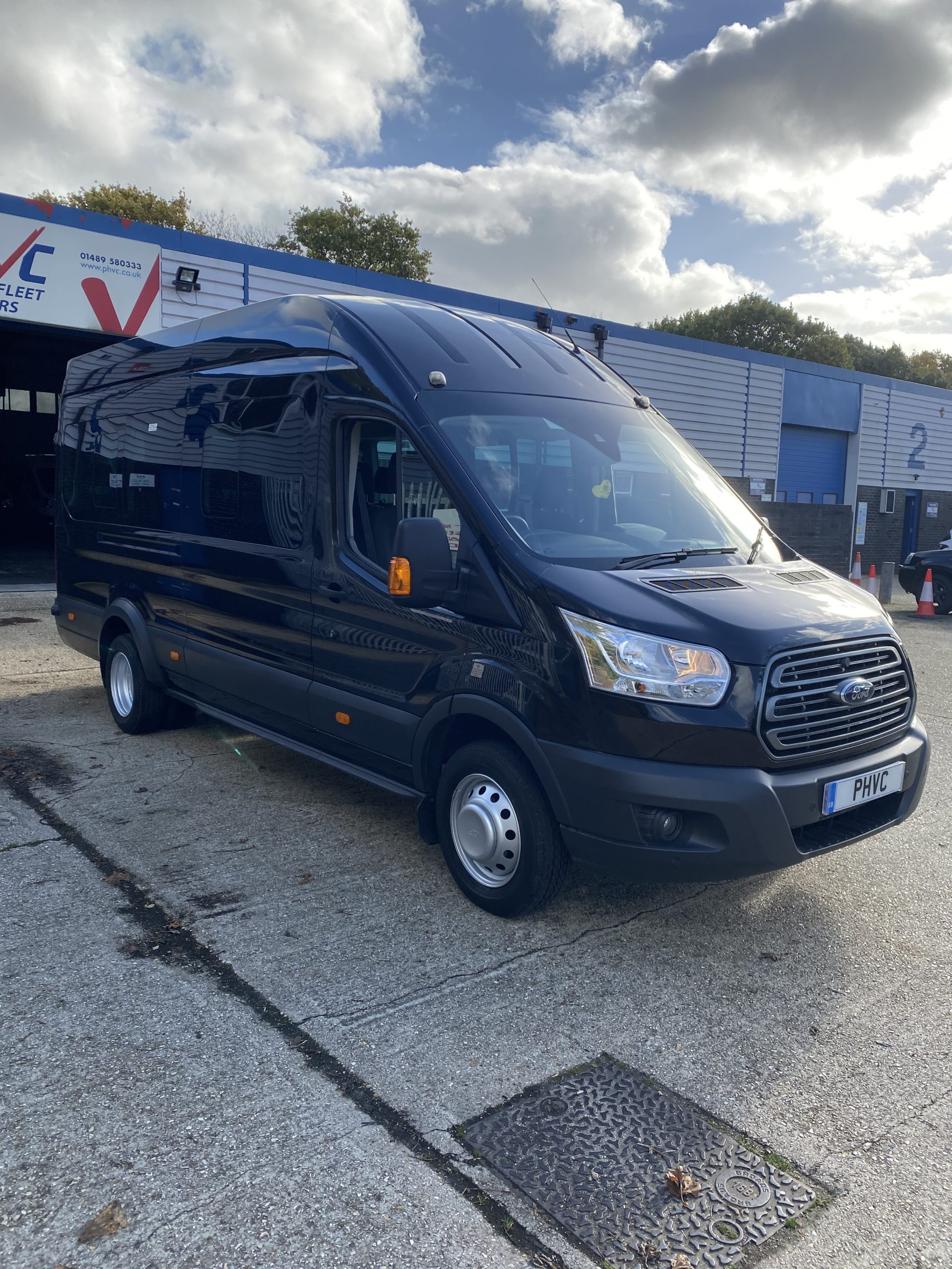Photograph of Ford Transit Trend 17seat